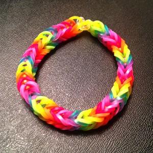 rainbow-loom-fishtail-rainbow